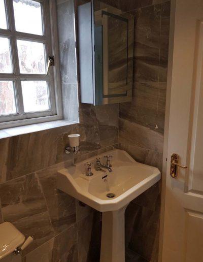 Oxford shower room